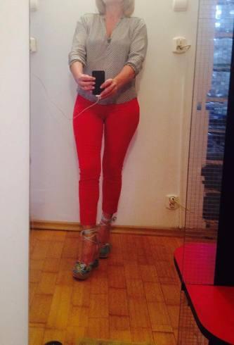 BLONDA, 40 ani, maseuza, finuta, stilata