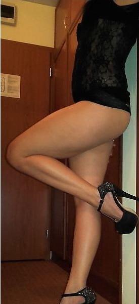 bruneta apetisanta matura 38 ani