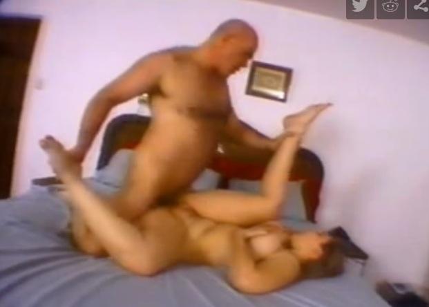 curva matura sedusa si fututa in pat de amant