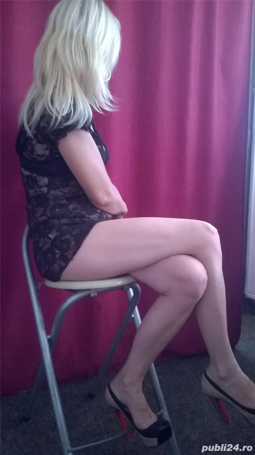 Blonda… 35 any ….1,63…50 kg.