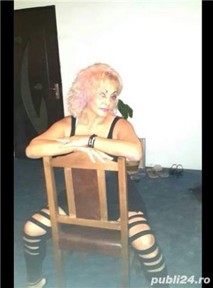 Blonda matura Militari residence