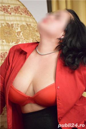 Escorte Mature: Doamna Elena