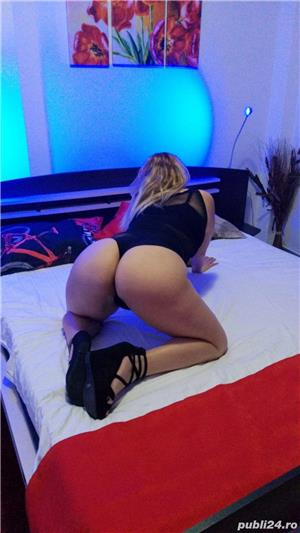 Escorte Mature: Blonda fierbinte caut colega